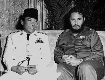 440px-Sukarno_and_Fidel,_1960