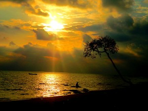 1024px-Sunrise_at_the_Havelock_Islands.-300x225
