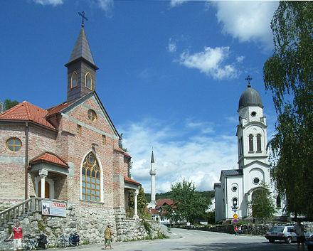 440px-Bosanska_Krupa_Churches