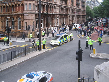 Russell_square_police_road