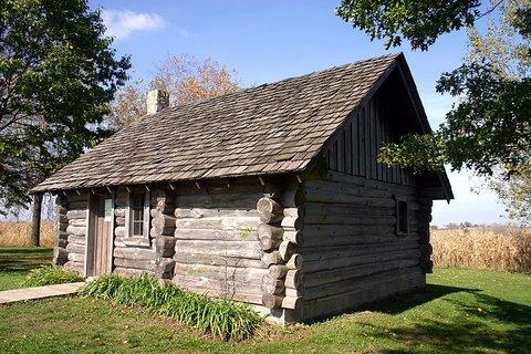800px-Little_House_Wayside_replica