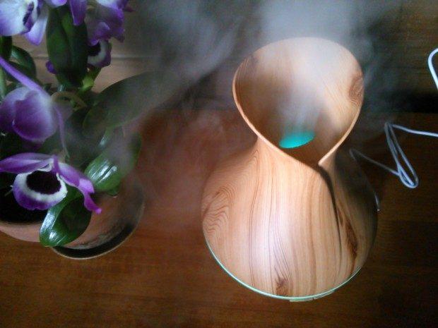 ドーシャ別の花粉症対策アロマと加湿器にもなるLED7色ディフューザー