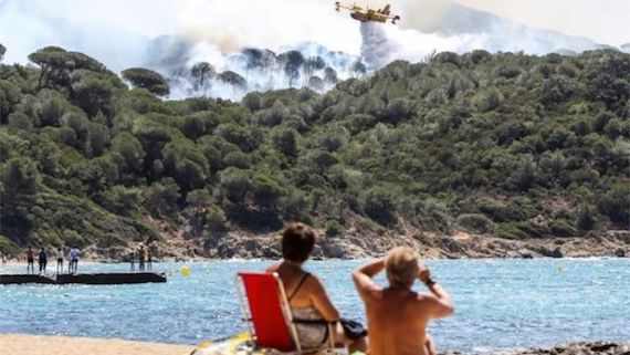 beach-fire-france02