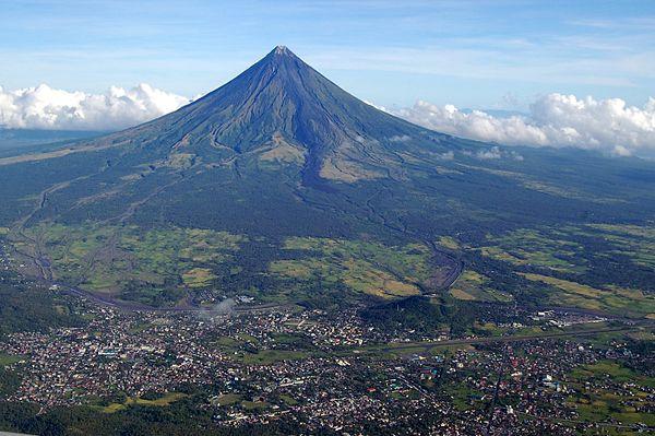 Mt._Mayon_aerial_photo