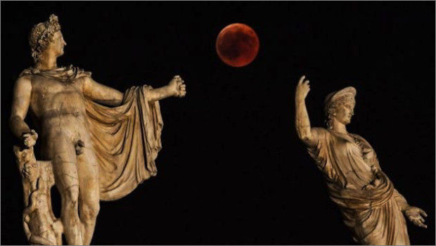 blood-moon-greece