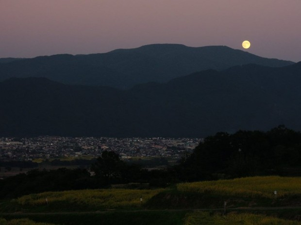 中秋の名月とスーパームーンの違いとシフト時代の「願い事」の秘訣