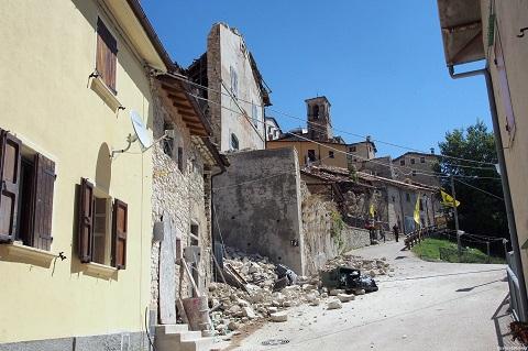 「山梨のじいちゃん予言」と長過ぎる余震が続くイタリア南部