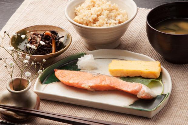 高血圧でもリスク大だった減塩の「危ない食の偽旗作戦」