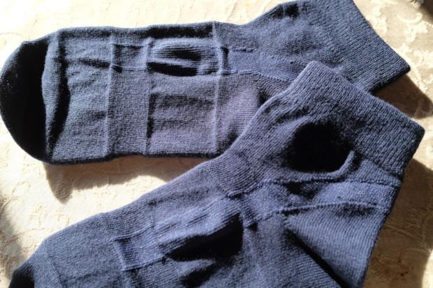 盲信しない方がイイ「重ねばき&5本指」の靴下信仰