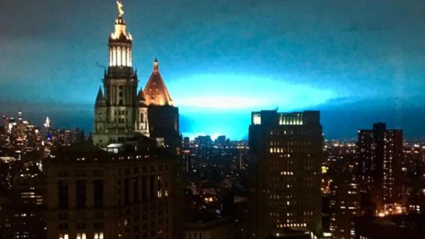 ニューヨークの「青い光」と金城光夫氏の既に5次元に上昇した地球