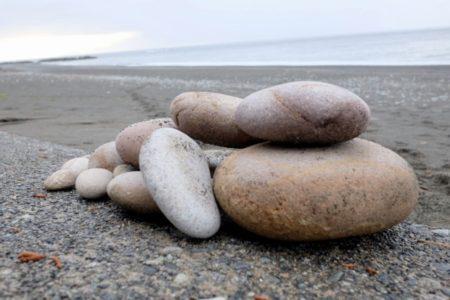 免疫力を強化する姫川薬石を拾いに糸魚川の海岸に行ってみました〜